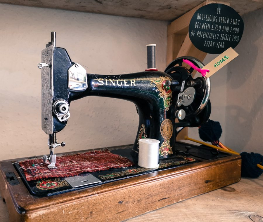 Singer sewing machine to borrow in Frome.